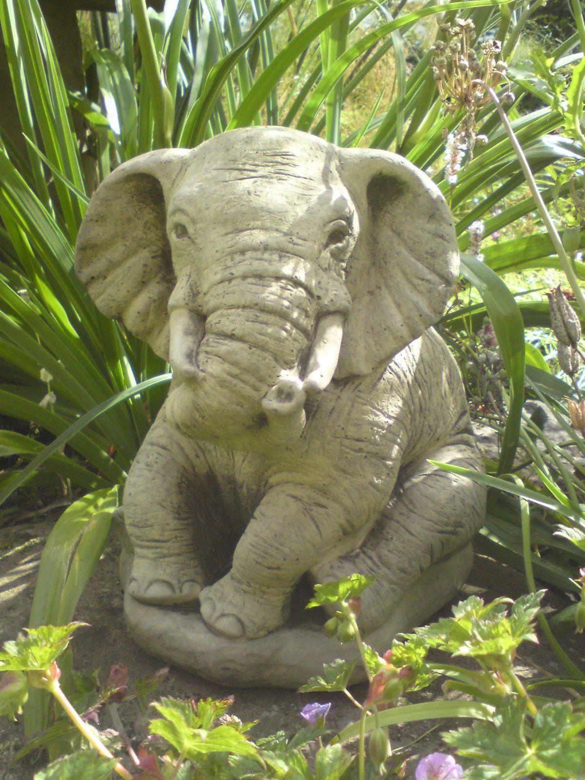 Merveilleux Stone Garden Lucky Sitting Elephant Ornament