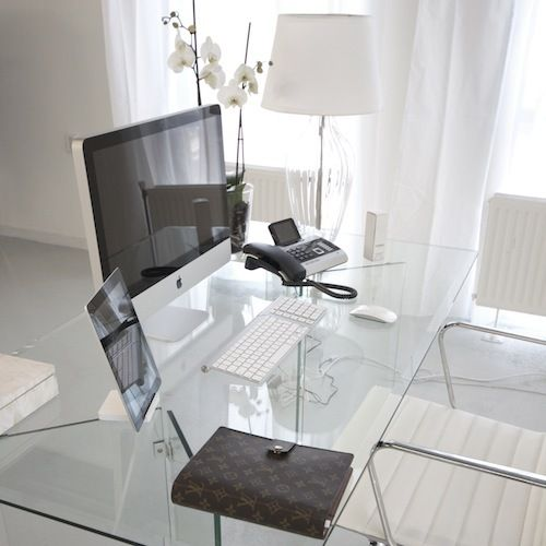 Home Office Inspiration: I Love Clear Glass Desks