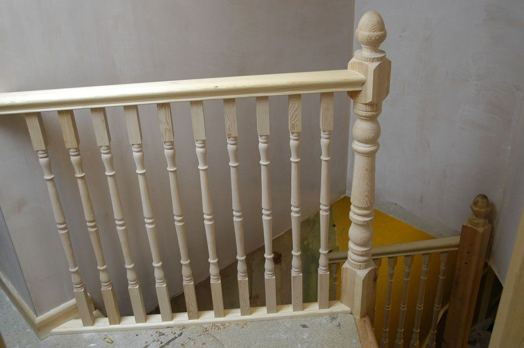 Best Victorian Banister Spindles Check Out Rustic Wood Railing 400 x 300