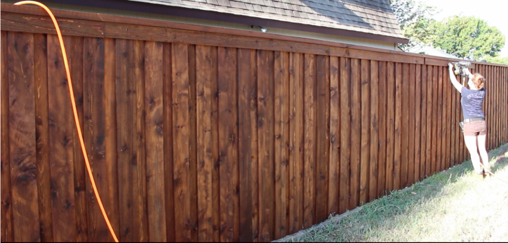Building A Board On Board Cedar Fence Full Tutorial With Video Building A Fence Wood Fence Design Cedar Fence Stain