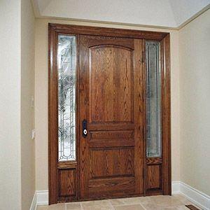 Puerta madera y vidrios laterales puertas escaleras for Puertas de entrada de madera y vidrio