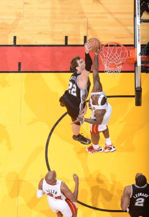 Game 2: LeBron Denies Splitter.