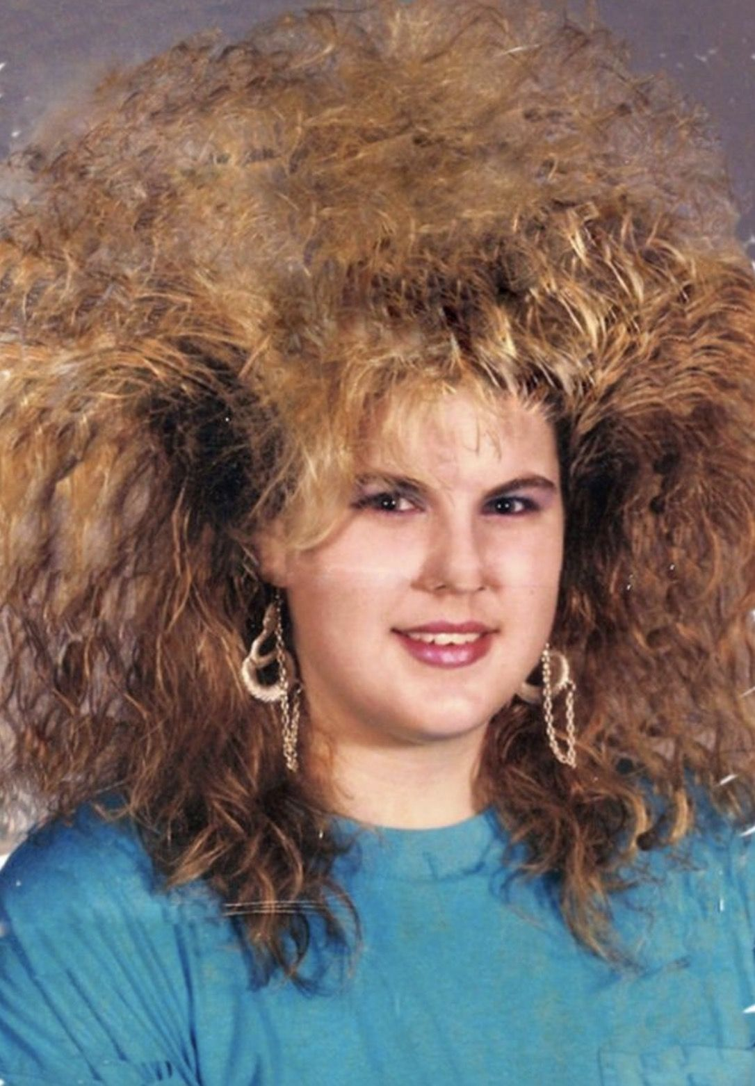 15 Gigantic Hairdos From The 1980 S Big Hair Vintage Hairstyles 80s Big Hair
