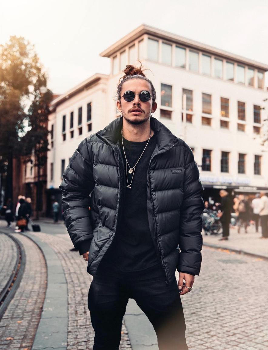Giaro Giarratana Super Stylish With An Amazing Jacket By Hugo Boss Mens Winter Fashion Modern Mens Fashion Mens Fashion [ 1152 x 884 Pixel ]