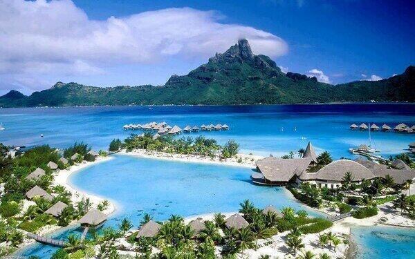 Bora Bora, una paraíso en la polinesia francesa. pic.twitter.com/aDQgRXOy7W