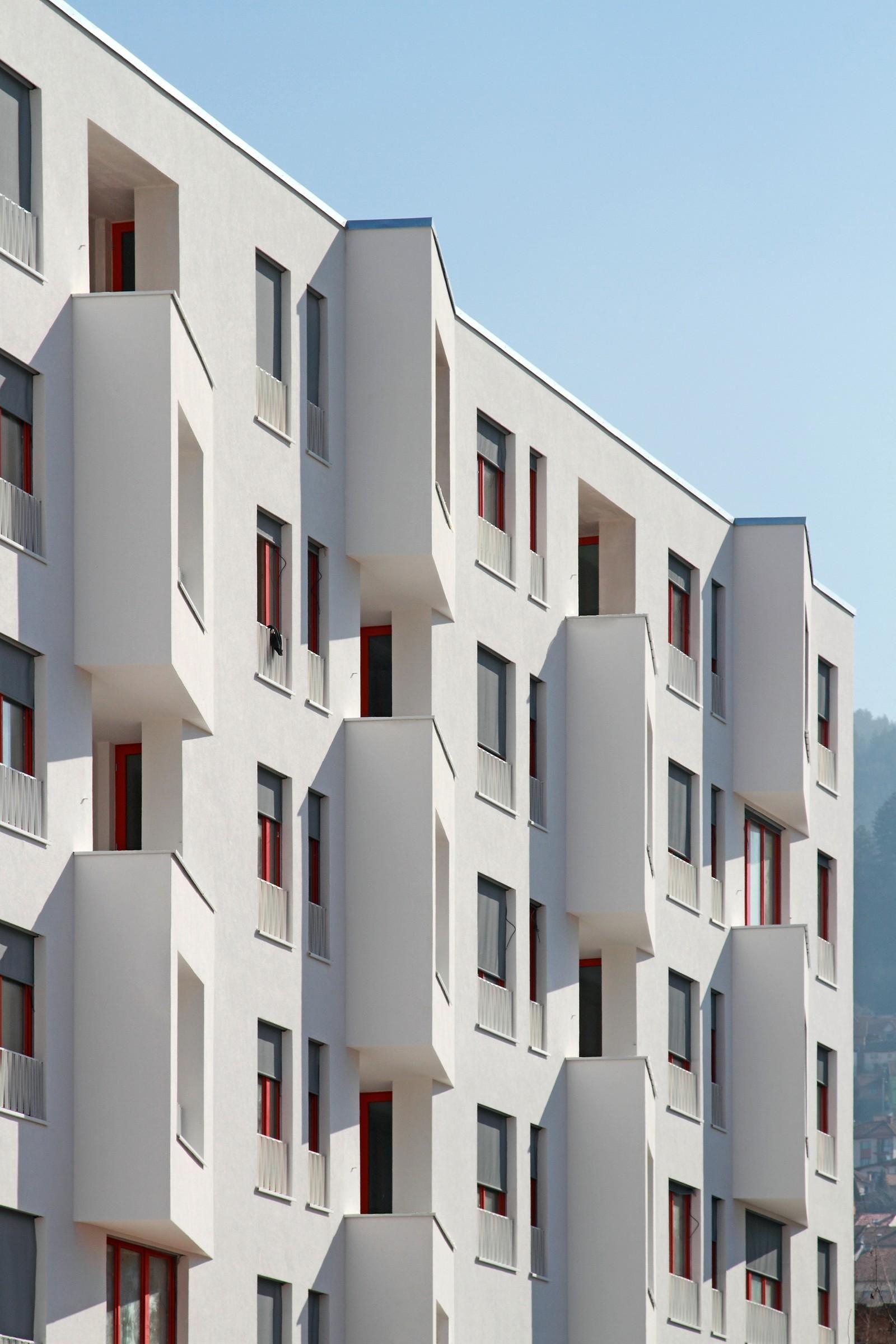 Dvor housing by ahaknap saaha