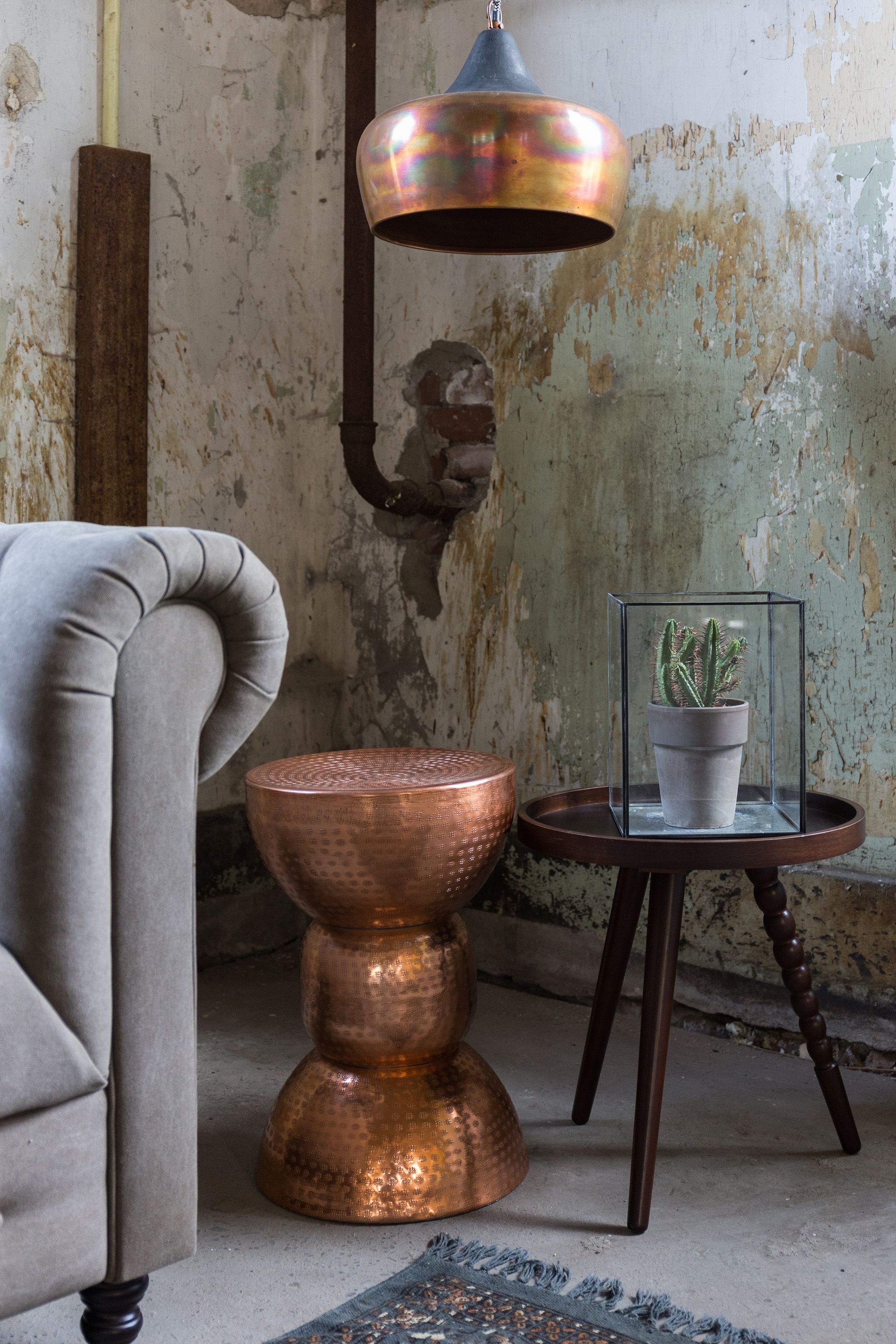 Copper Warung Stool and Coco Pendant Lamp from Dutchbone. See more Copper inspirations at http://www.brabbu.com/en/inspiration-and-ideas/ #CopperLighting #CopperDesign #CopperDecoration
