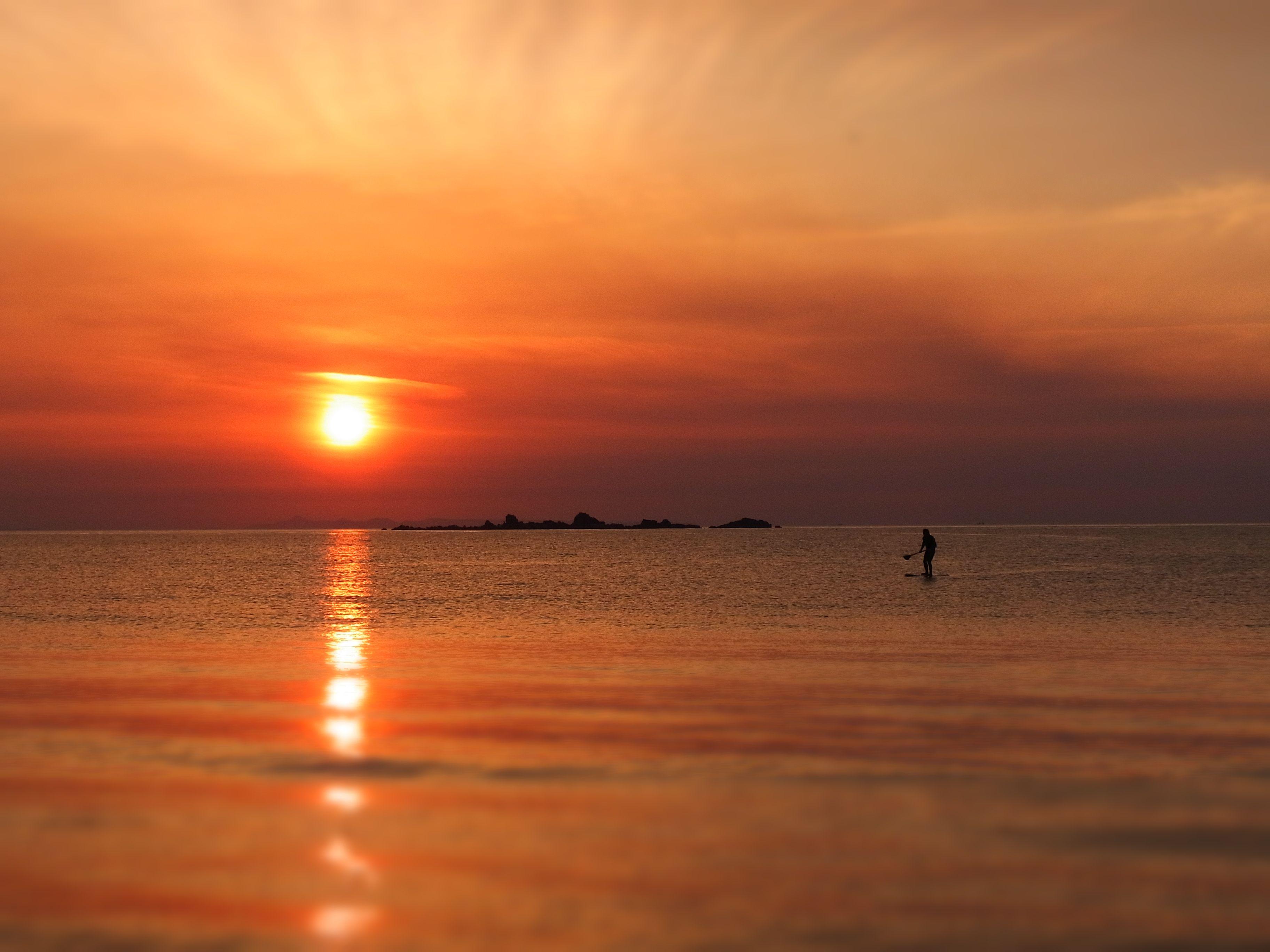 綺麗な夕陽を見ながら 福岡 キャンプ 糸島
