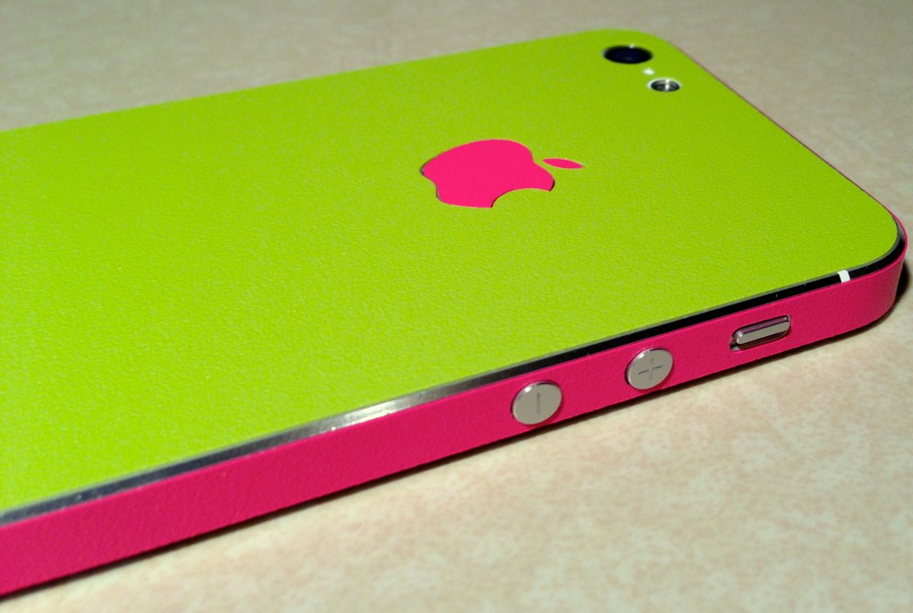 Green with envy with this case...On my wishlist for SURE!!