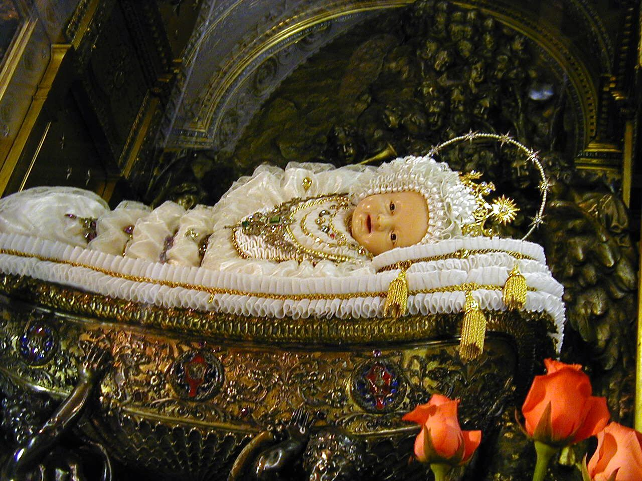 Baby Mary Sisters Safeguard A Precious Statue Welcome Pilgrims In