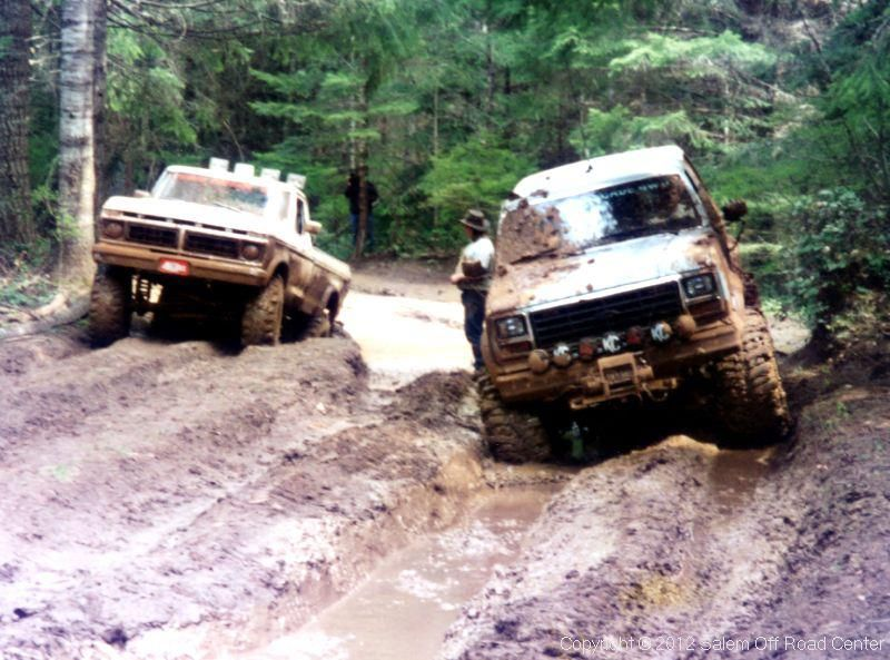'76 Ford, 10inch lift, ¾ton running gear, 42inch