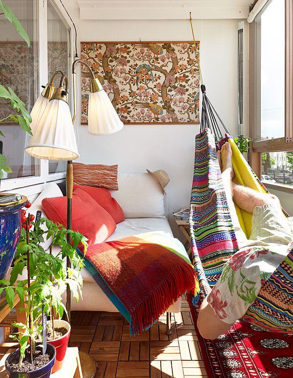 30 Beautifully Boho Chic Balcony Ideas - bedsheet or madhubani painting, fun hammock