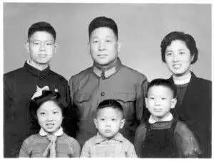 刘源妻子_俞正声王岐山薄熙来刘亚洲刘源世兄王健林的妻子林宁的父亲林连章