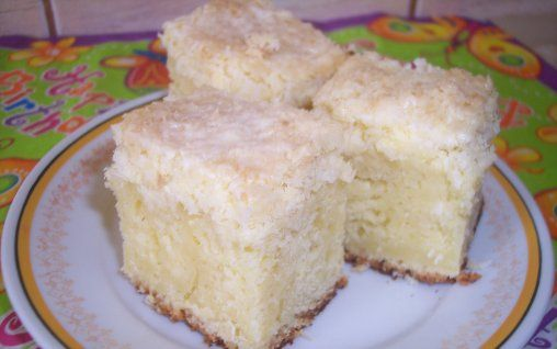 Reteta Prajitura cu nuca de cocos si iaurt - Prajituri