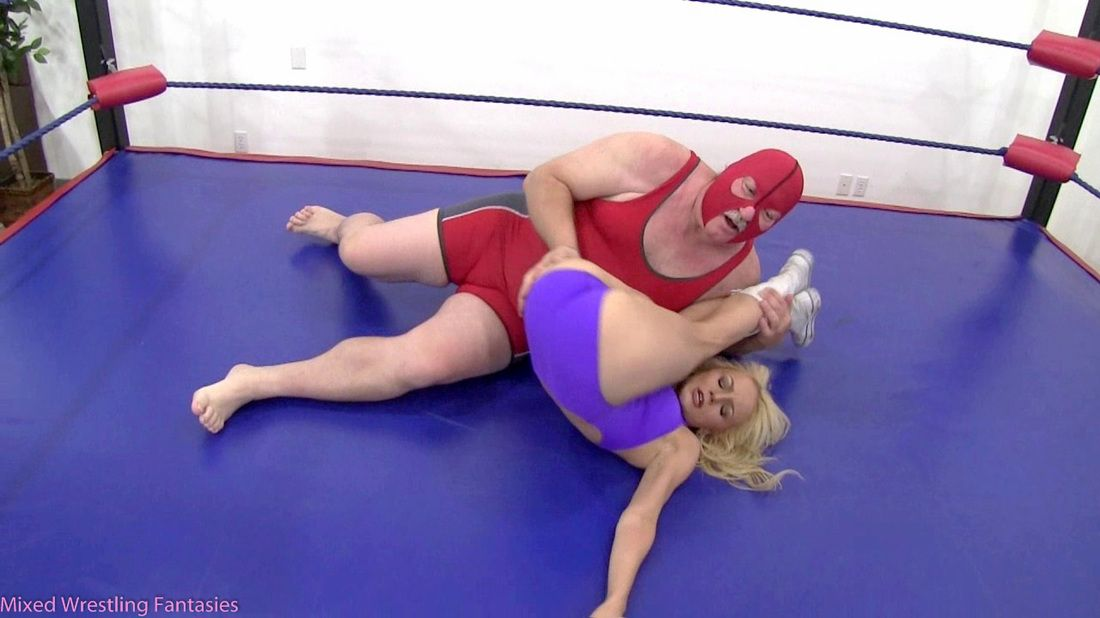 Mixed Wrestling Woman Wins