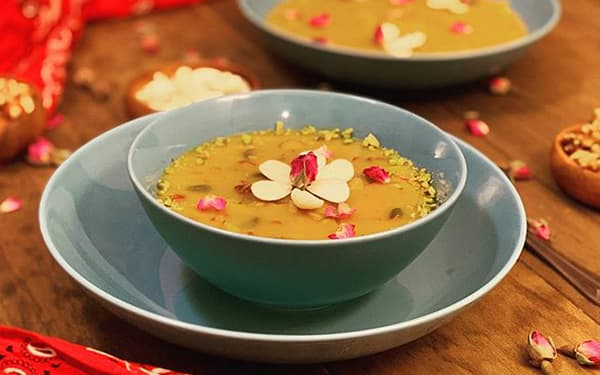 طرز تهیه کاچی زعفرانی خوشمزه و مجلسی به روش تبریزی Food Desserts Deserts