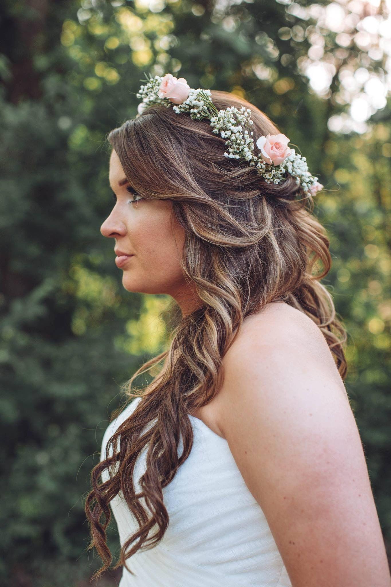 Fresh Bridal Crown Halo Of Fresh Babies Breath And Soft Majolika Pink Spray Roses Flowers By Tammy 42 Ivory Wedding Flowers Bridal Crown Flower Crown Wedding