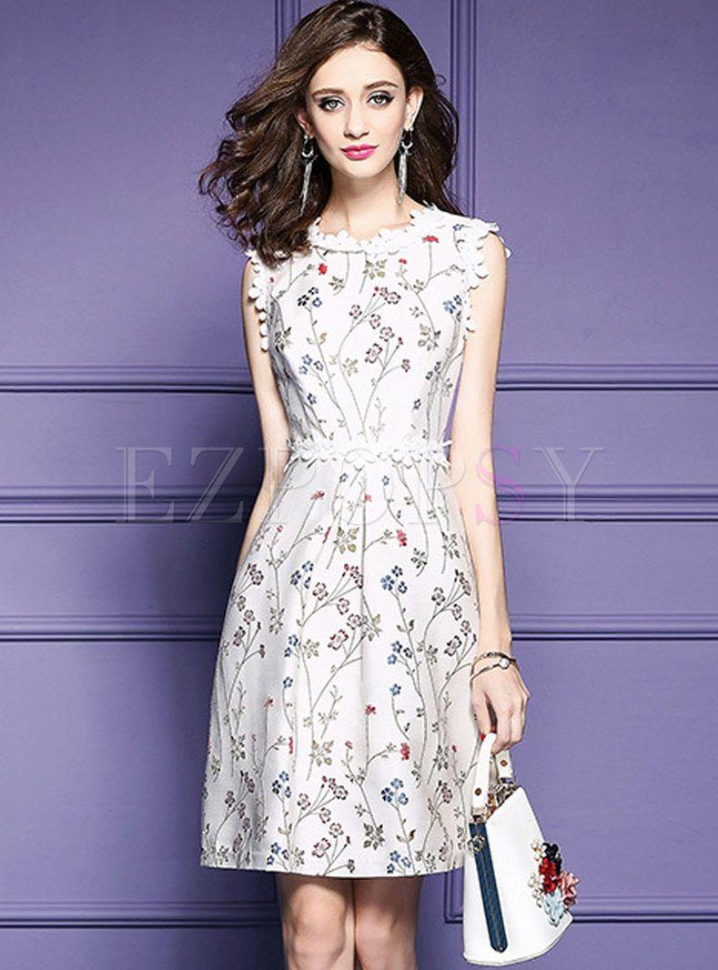 Excelente Pálidos Vestidos De Dama Gris Ideas Ornamento Elaboración ...