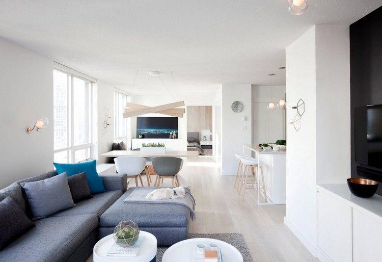 offenes Wohnen - Sitzbereich, Küche und Essbereich in hellen Farben ...