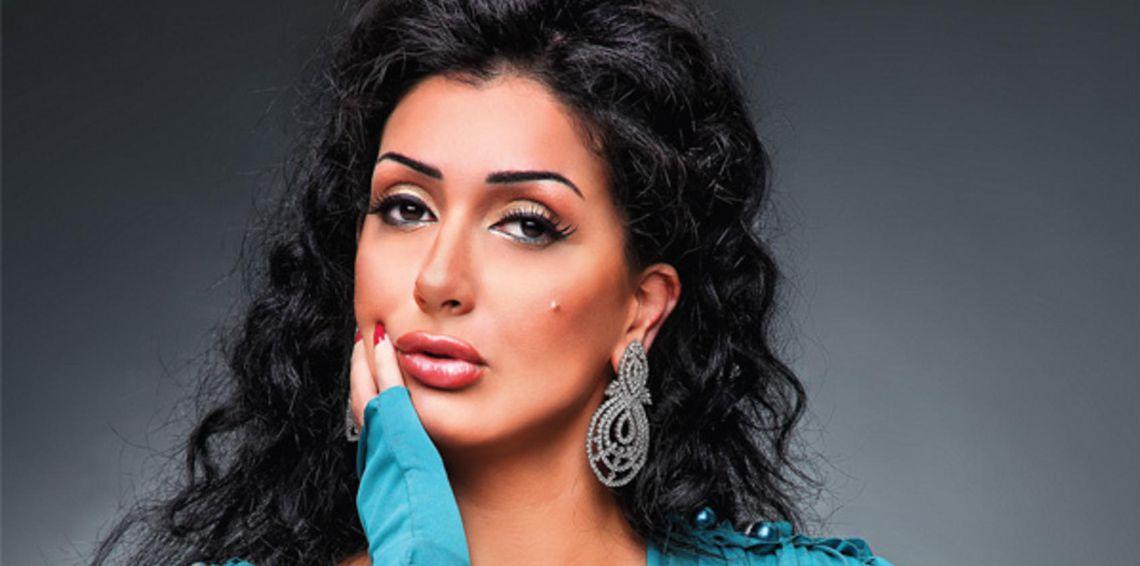 صور رد فعل غادة عبد الرازق الفوري بعد خبر طلاق ابنتها روتانا Drop Earrings Earrings Fashion