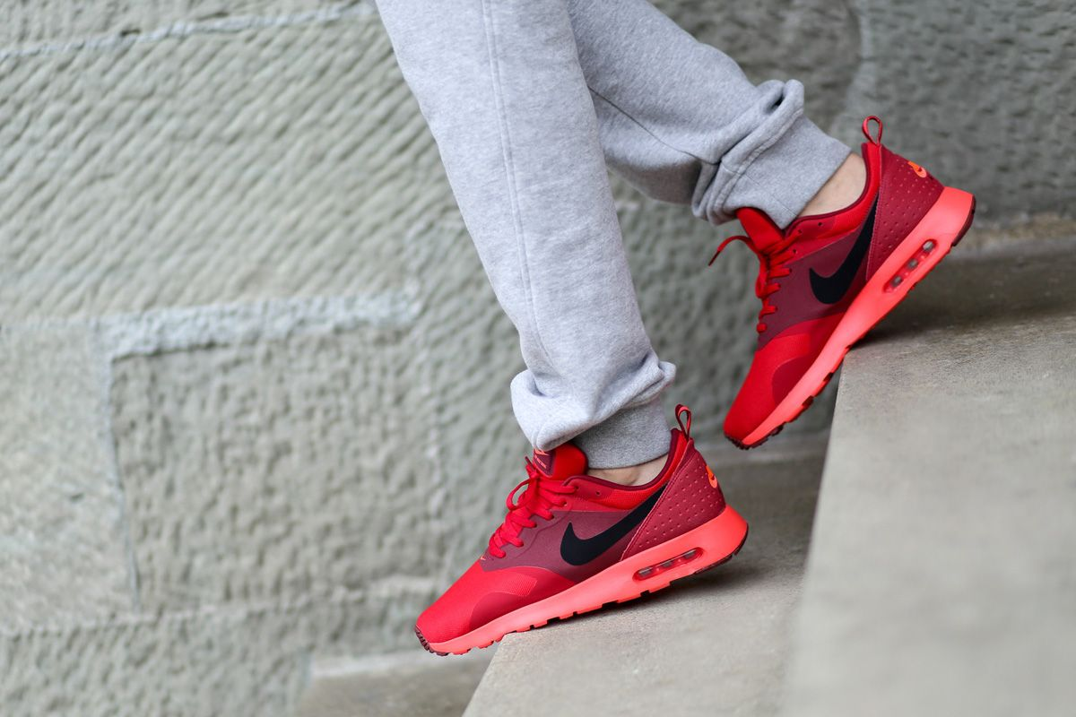 nike air max tavas red womens