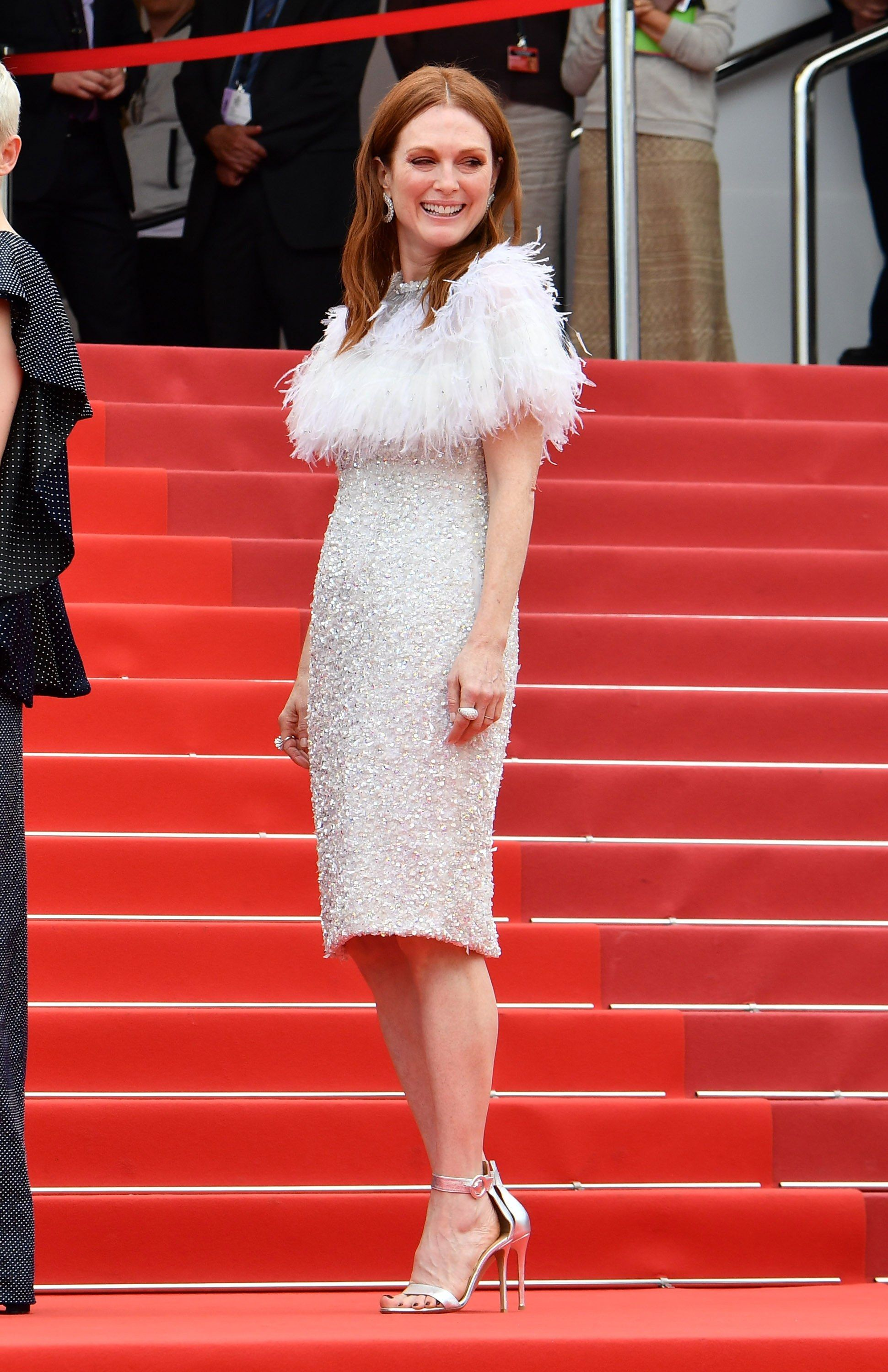 Julianne Moore in Chanel Couture and Chopard jewelry