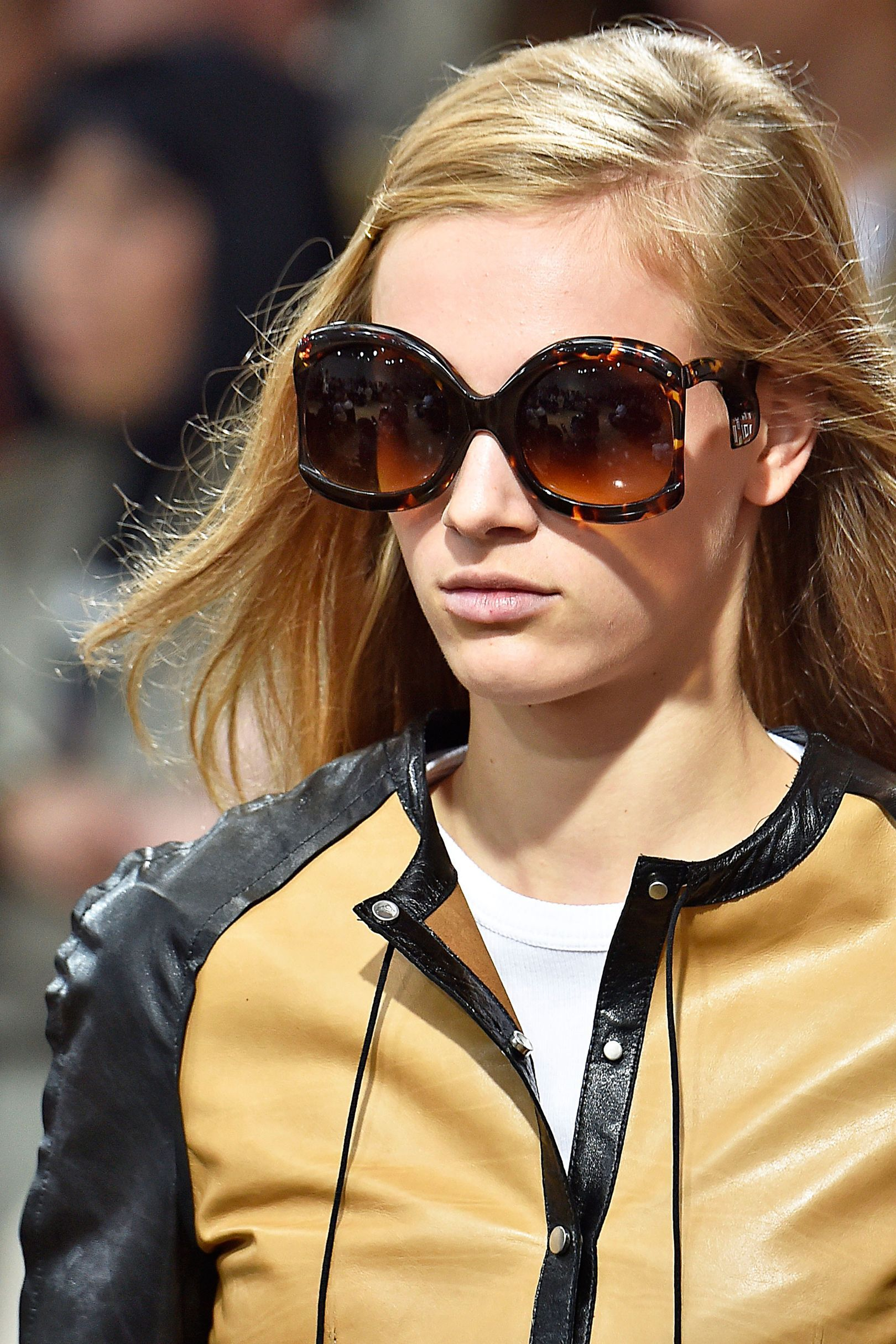 185ed3bb3 Vogue's Ultimate Sunglasses Guide Spring/Summer 2018 | faaashion is ...