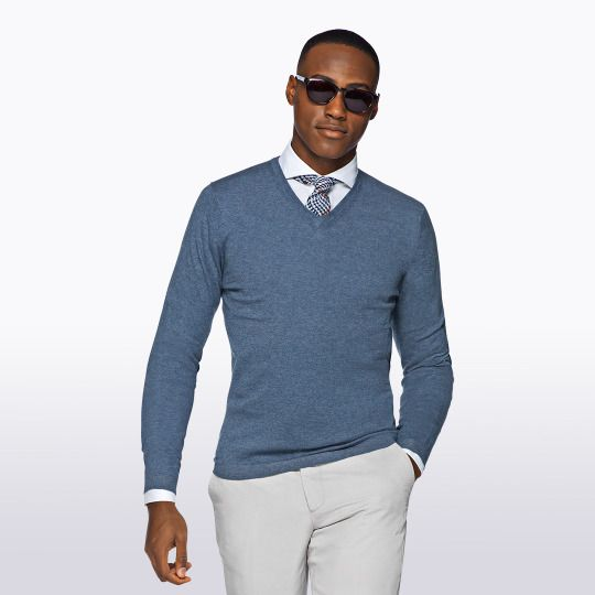 Cashmere cotton sweater and white pants. Men's outfit