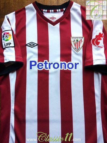 Relive Athletic Bilbao s 2012 2013 La Liga season with this vintage Umbro  home football shirt. d3658ab40aa6b