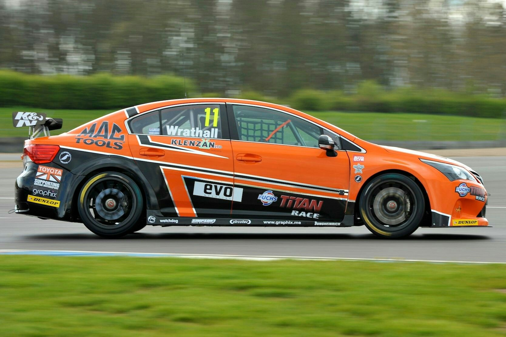 Awesome Toyota Avensis T270 | All Racing Cars Btcc Toyota Avensis T270 Race Pictures Gallery