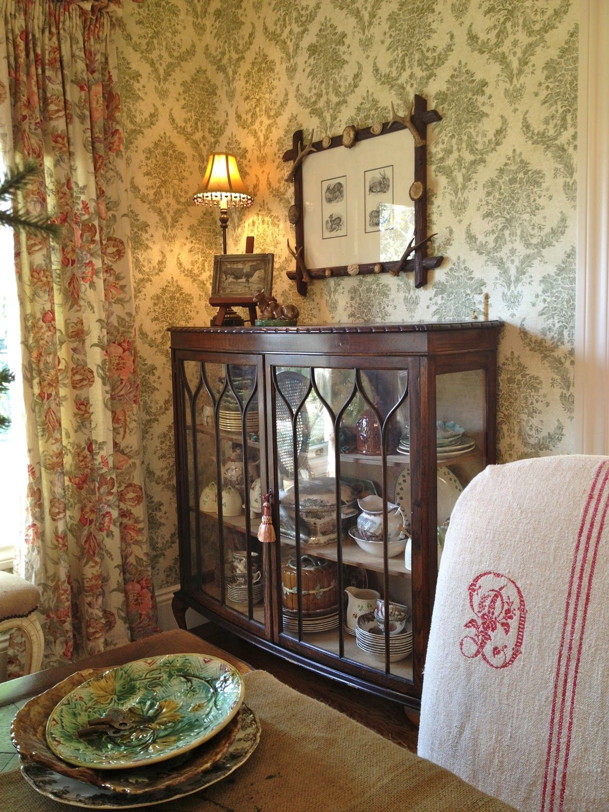 dining room curio cabinets | Love this china cabinet; could also be used as curio ...