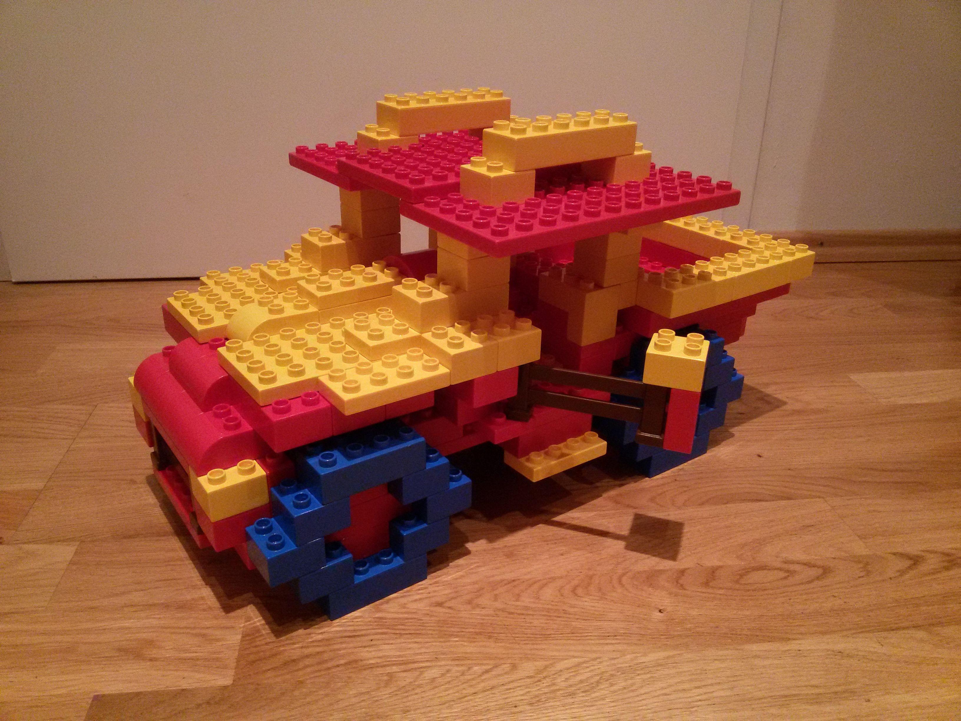 hier siehst du einen jeep gel ndewagen aus lego duplo diese und weitere bauideen gibt es auf. Black Bedroom Furniture Sets. Home Design Ideas