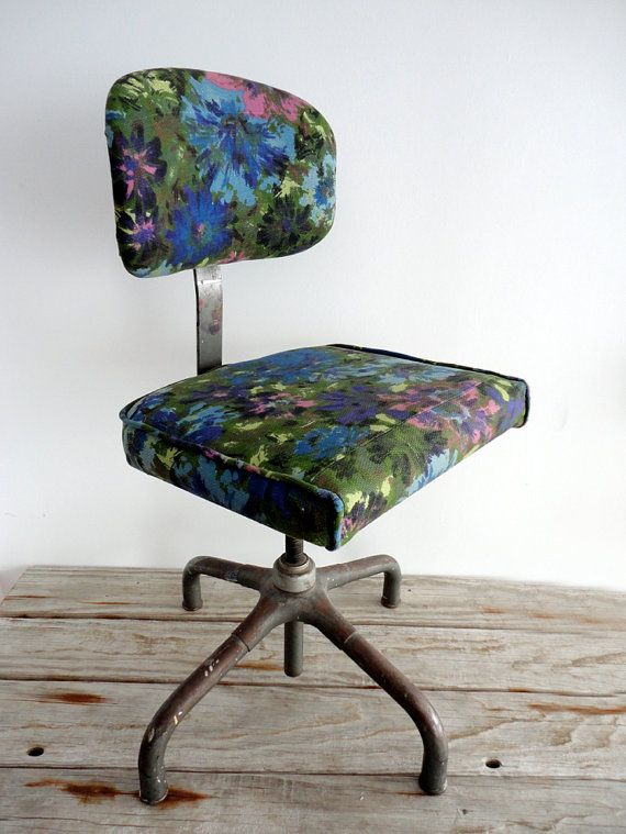 {vintage upholstered artist's chair} a chair for Monet - suggested/altered identity