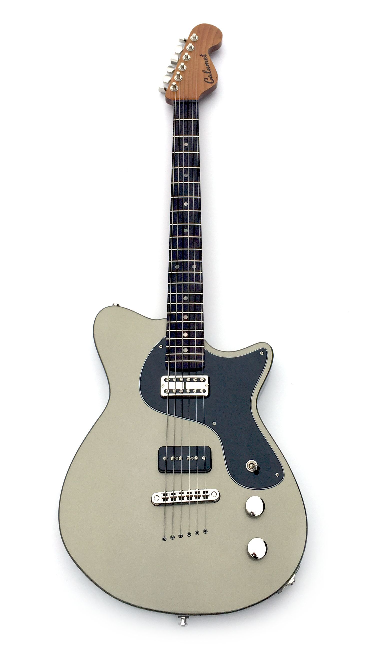Electric versus acoustic guitar