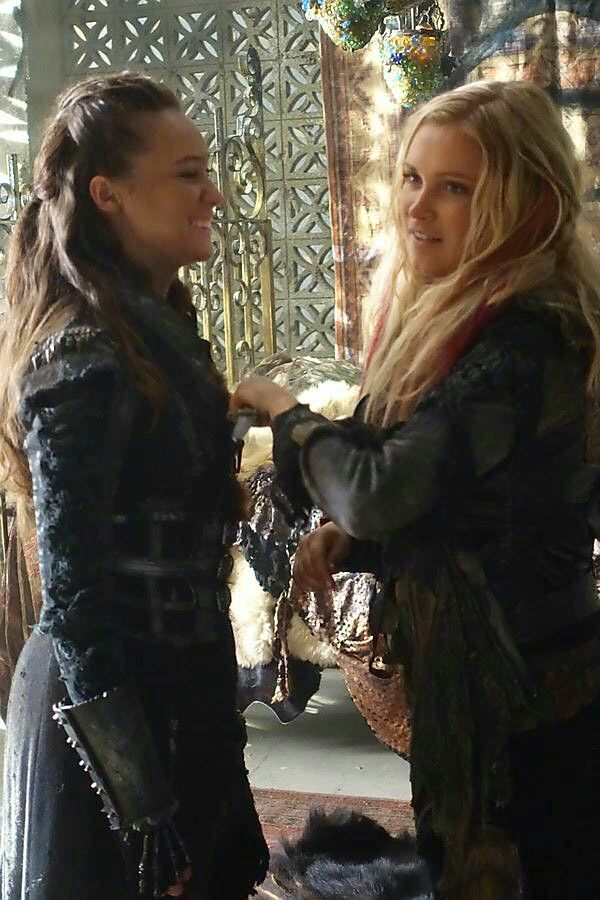 Pin by Andreea Stoica on The Commander LEXA | The 100