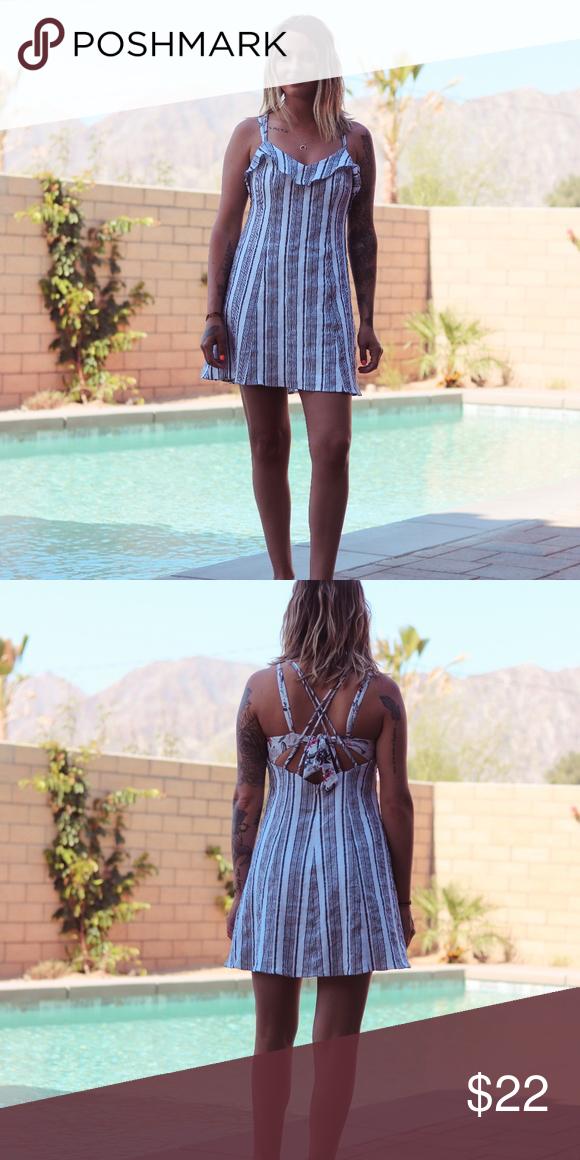 38f9cc424cfdf LUSH Linen-Like Cotton Mini Dress Brand: Lush (Lulu's) Size: M Color:  black/white Fits like size: S/M Model is 5'7''   27'' waist   34B Lush  Dresses Mini