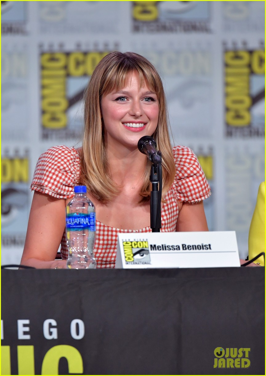 Melissa Benoist At The Comic Con Panel 2019 Melissa Benoist Melissa Supergirl Melissa Benoist Glee