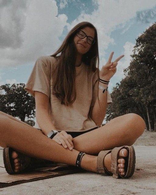 —@julianna_rr - •smiley girl• 🌸🌸🌸🌸 . Tags: #influencer #alumni2020❤️ #top #trending #topposts #topinsta #instagram #trendingnow #toptoday #lightphotos #photography #photographer #cuteascanbe #today #model #bestukulele #modelingagency #modelsearch #wlyg #thelookout #photoshoot #lightandairyphonechallenge . reminder: we'll be alright :)