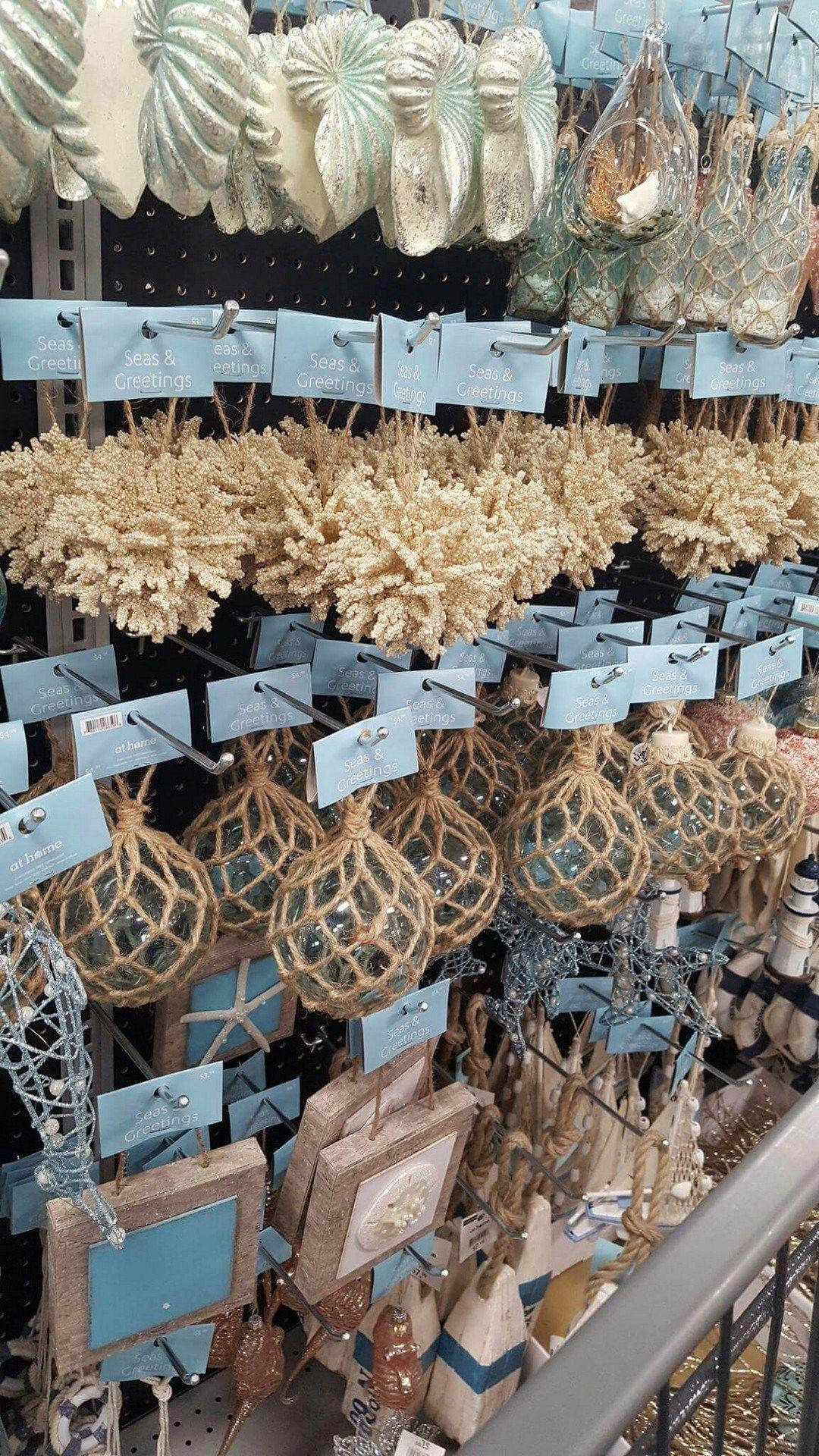 Cheap And Easy DIY Coastal Christmas Decorations Ideas (8