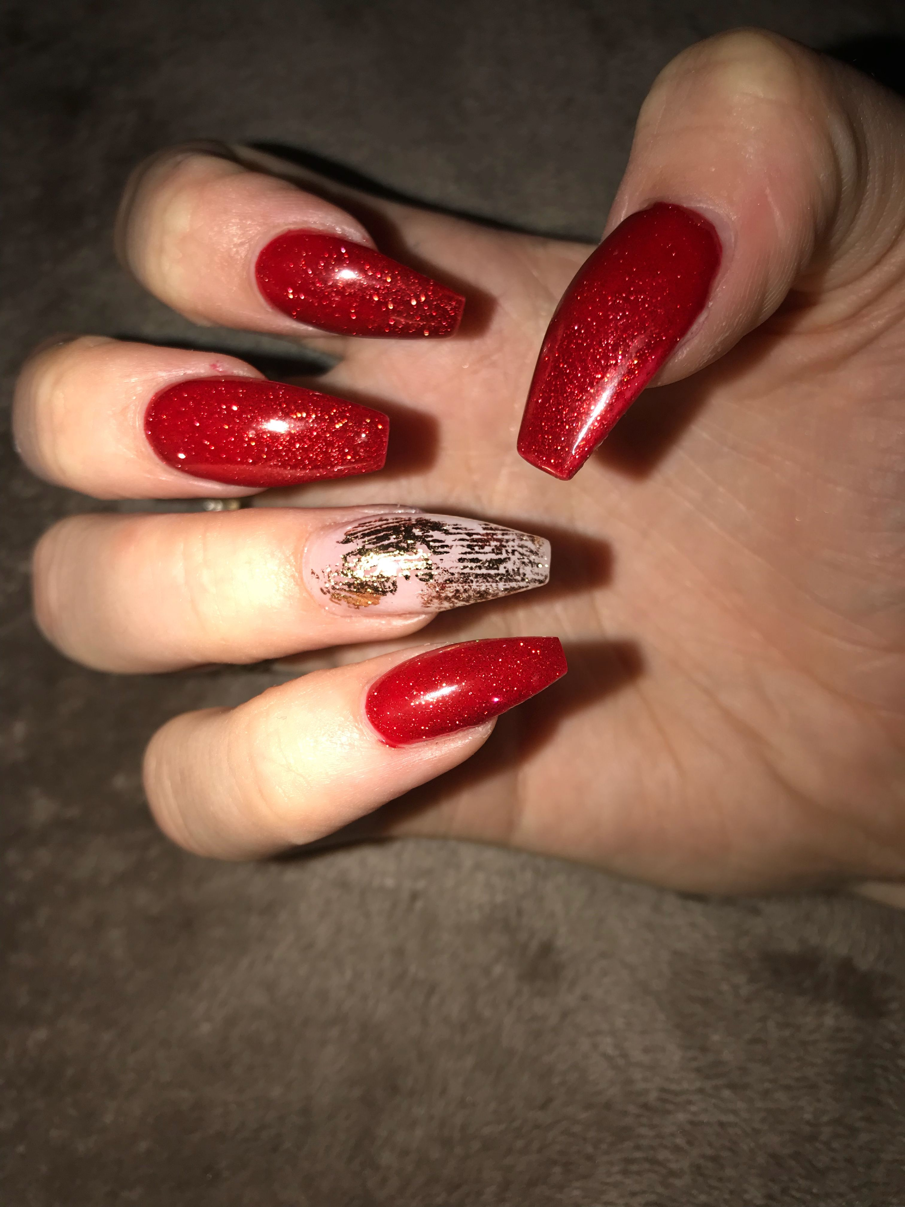 nails acrylics red gold