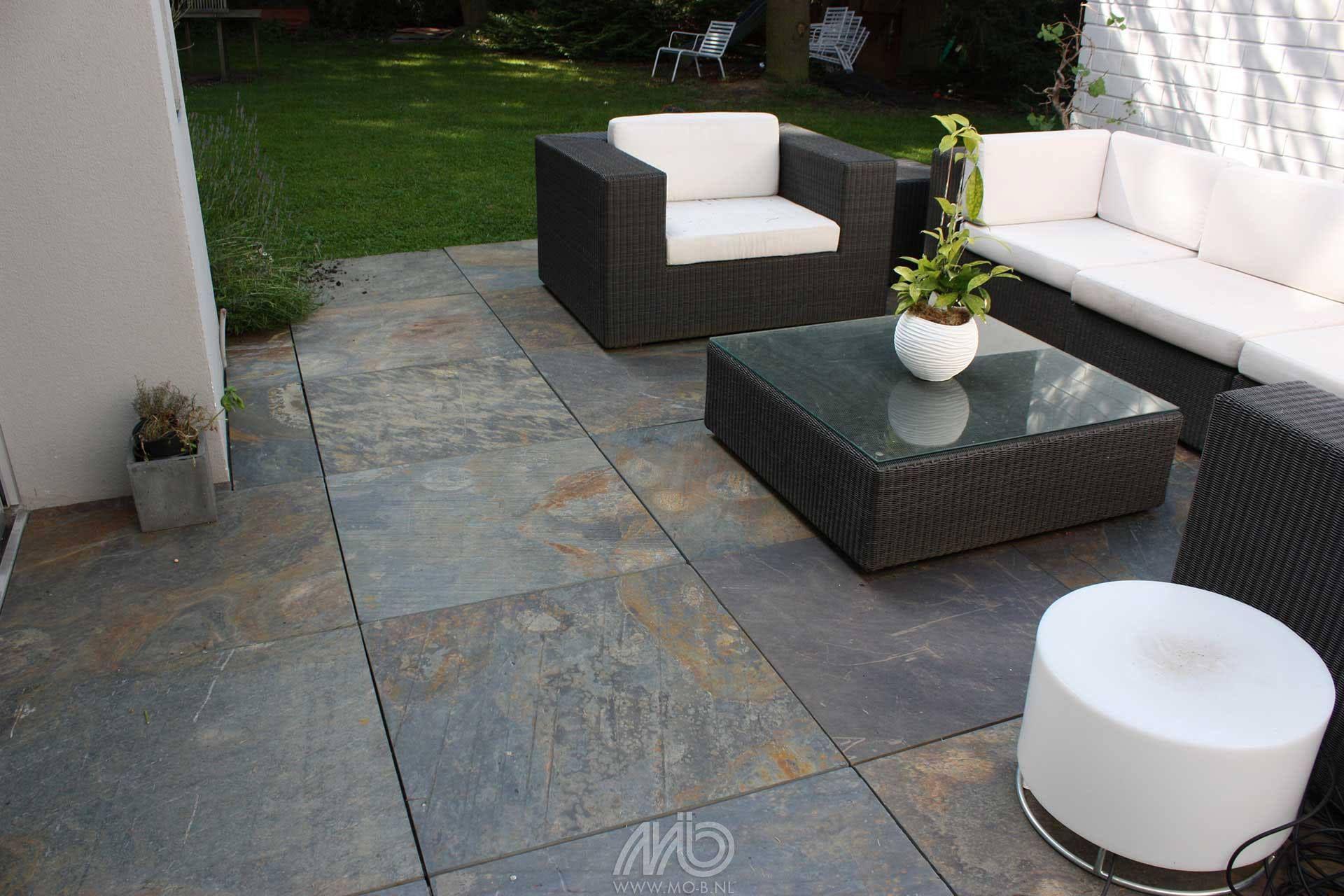 Een natuurlijk terras maak je met natuursteen terrastegels laos