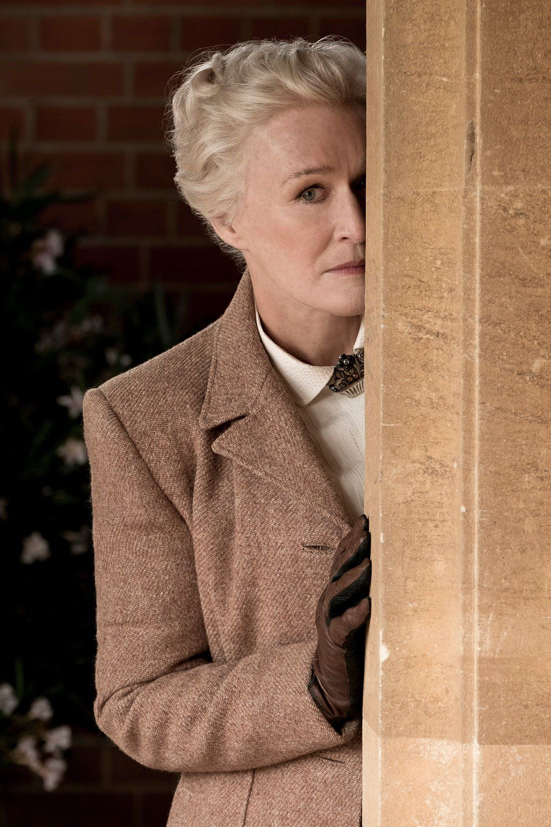 Glenn close on gleefully utaking the pissu out of mere mortals in