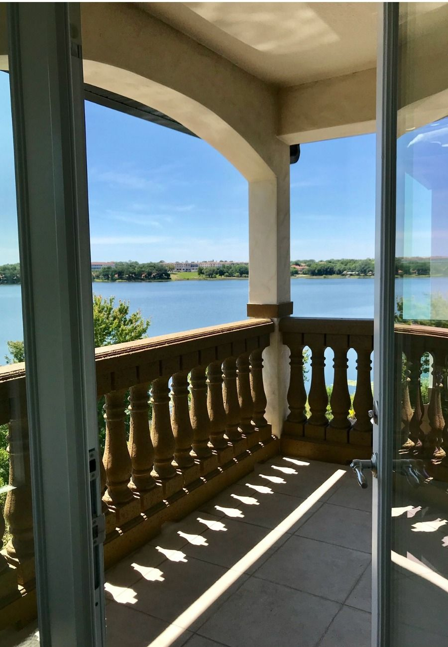 Sit back, relax and enjoy the views. Looking for a luxury home with amazing views? Contact me to learn how you can live the lakefront life in Orlando! #lakefront #outdoorspaces #realestate