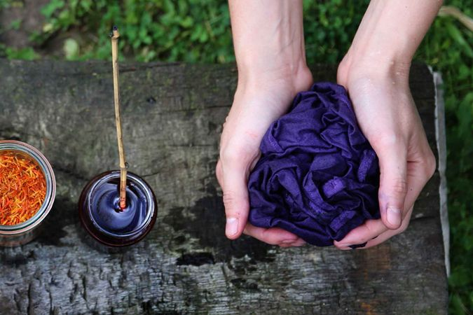 La fondatrice de Rosa Tapioca se lance dans la teinture végétale.  http://www.chezvanessa.com/module/mznews/detail?id_news=10