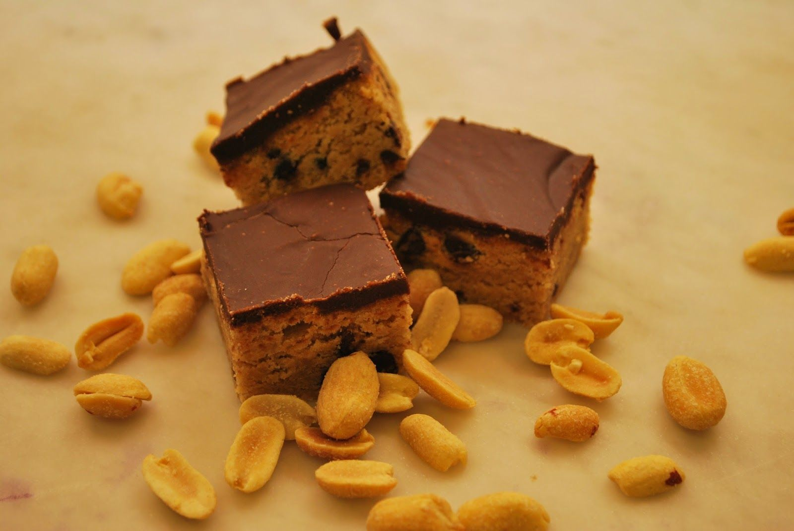 Peanut Butter Chocolate Chip Blondies (adapted from Smitten Kitchen)