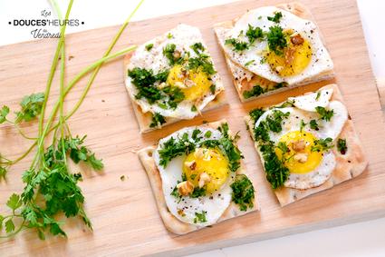 Toasts suédois aux oeufs de caille, cerfeuil et noix                                                                                                                                                                                 Plus