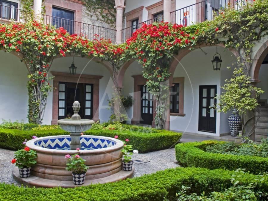 Courtyard Of A Villa San Miguel Guanajuato State Mexico Photographic Print By Julie Eggers Fashadas De Casas Casas De Campo Fachada De Casas Mexicanas