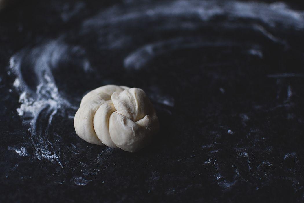 Quarkknoten – knusprige Brötchen (über Nacht) ⋆ Knusperstübchen  – Brotrezepte