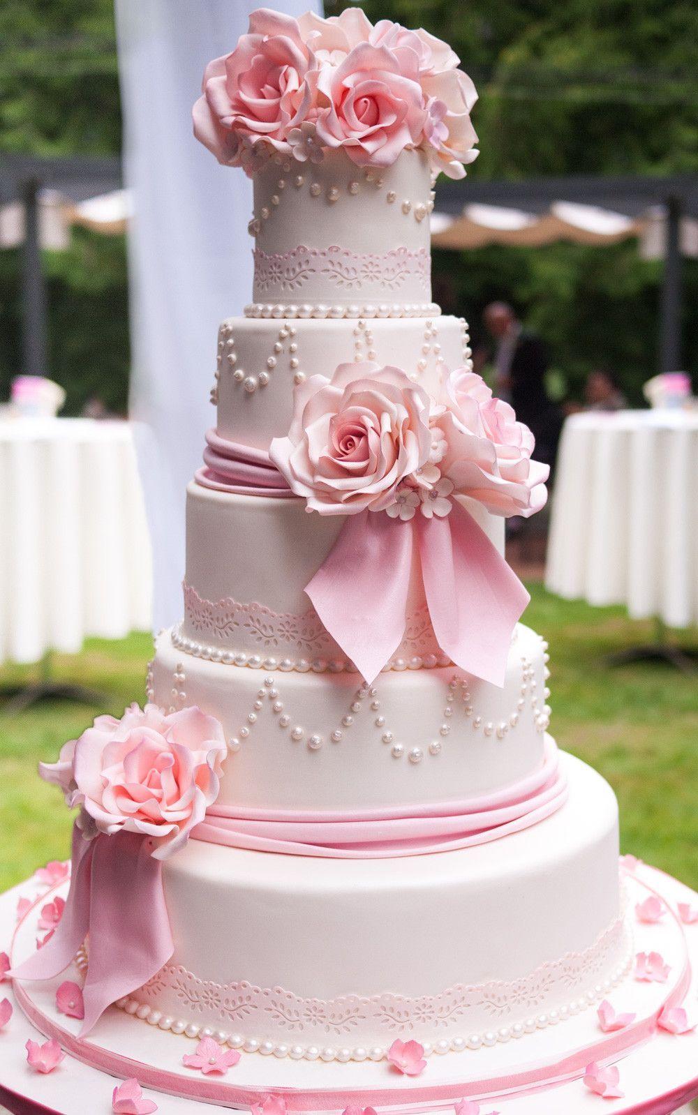 A wedding cake my stepmum made for a friend. I spent the most tense ...