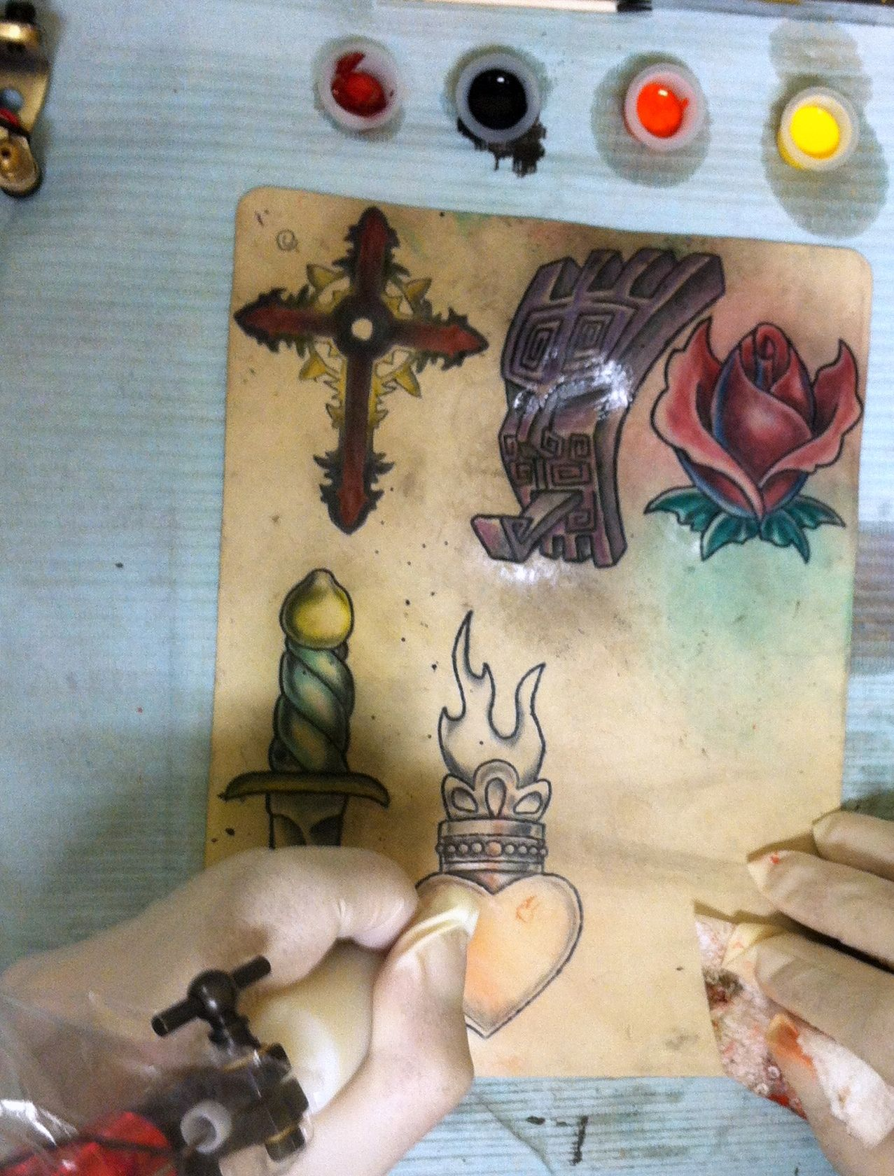How to design a new school tattoo leaftv - Tattoo Apprenticeship With Guaranteed Placement If You Want To Become A Tattoo Artist Take A Look At Our Alternative Tattoo Apprenticeship Programs